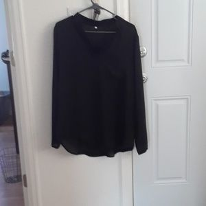 Tops - Beautiful black blouse with long sleeve
